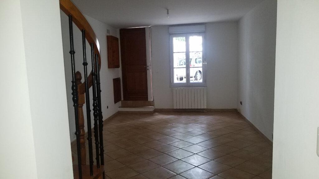 Appartement à louer 3 58.48m2 à Marignane vignette-2