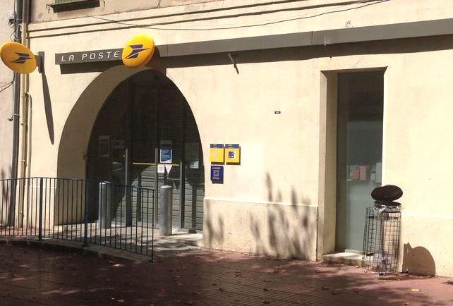 Immeuble à vendre 0 240m2 à Marignane vignette-1