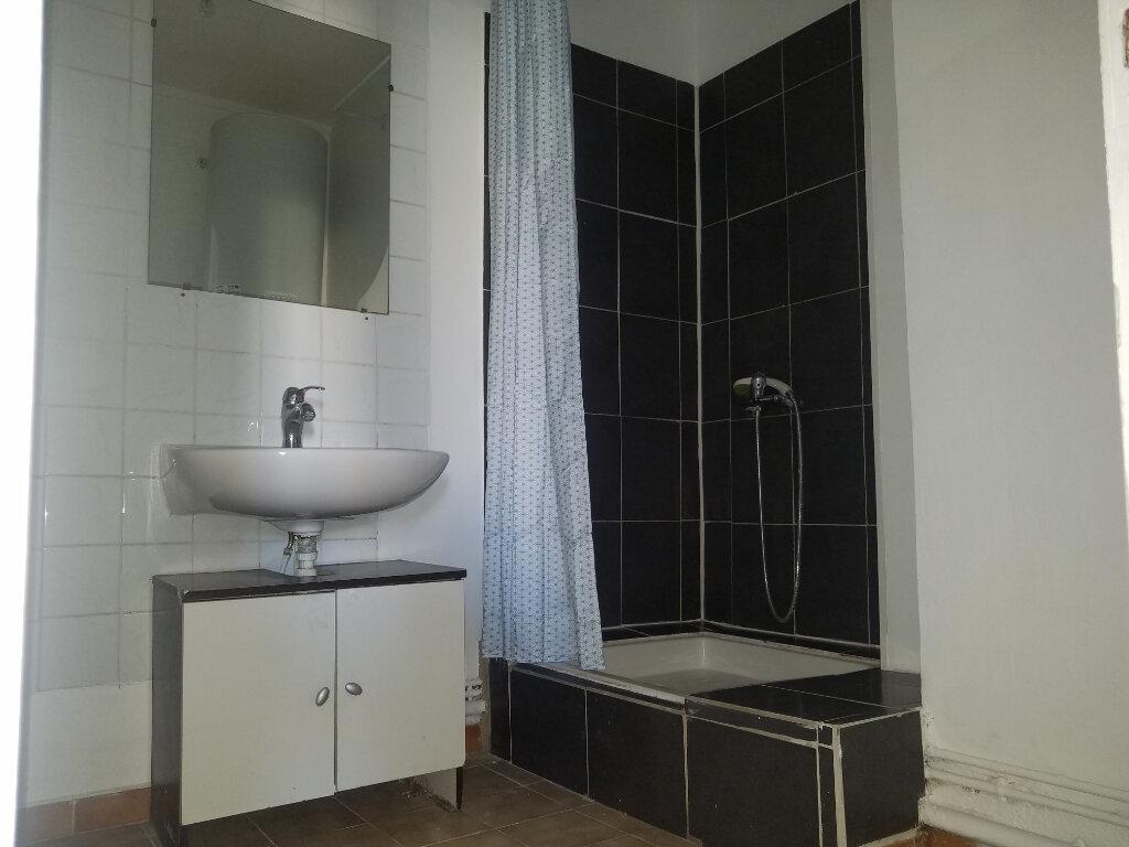 Appartement à louer 3 54.37m2 à Marignane vignette-3
