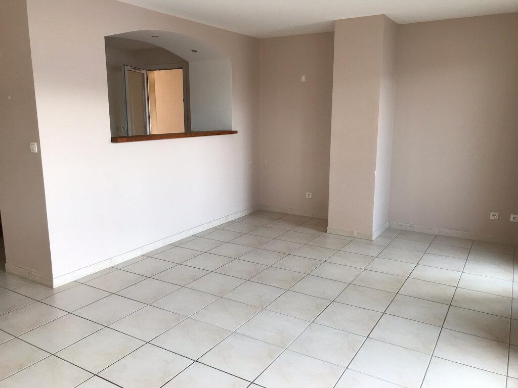 Appartement à vendre 3 65m2 à Marignane vignette-2