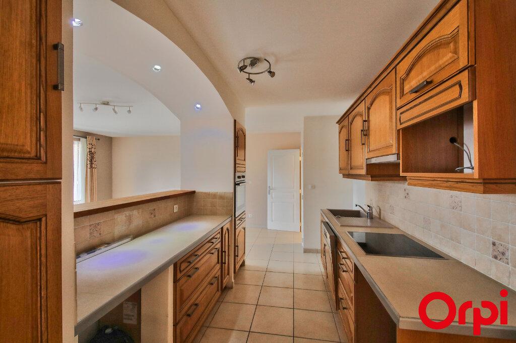 Appartement à vendre 3 65m2 à Marignane vignette-3