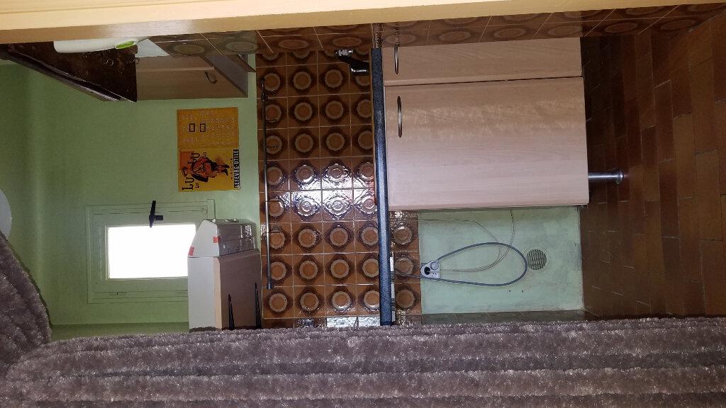 Appartement à louer 2 26m2 à Marignane vignette-4