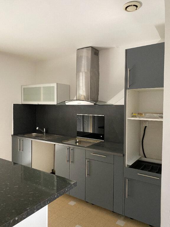 Appartement à louer 4 80m2 à Les Pennes-Mirabeau vignette-3