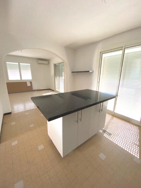 Appartement à louer 4 80m2 à Les Pennes-Mirabeau vignette-5