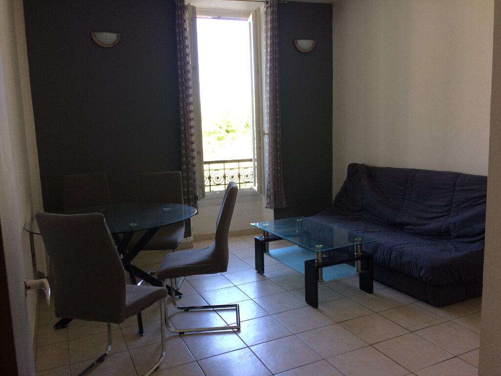 Appartement à louer 2 42.83m2 à Marignane vignette-4