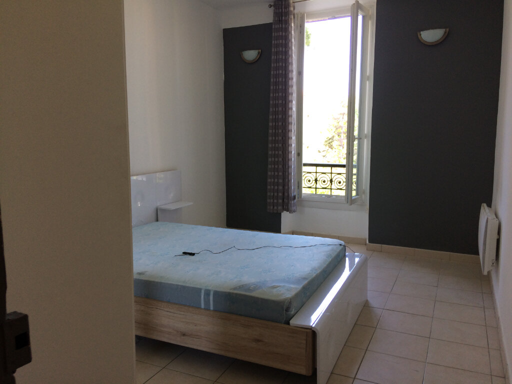 Appartement à louer 2 42.83m2 à Marignane vignette-5