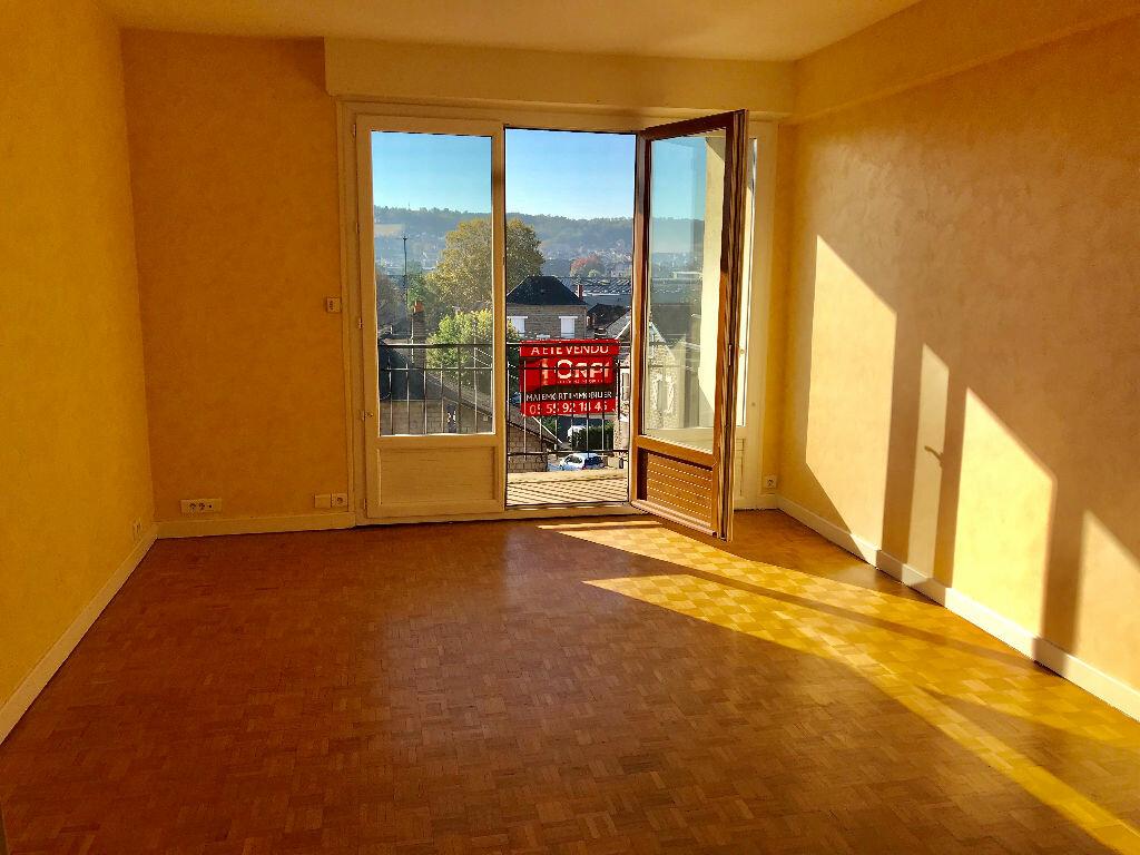 Appartement à vendre 3 65m2 à Brive-la-Gaillarde vignette-2