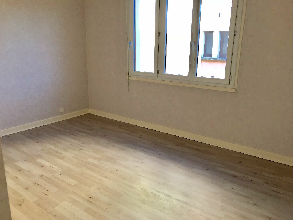 Appartement à vendre 3 65m2 à Brive-la-Gaillarde vignette-4