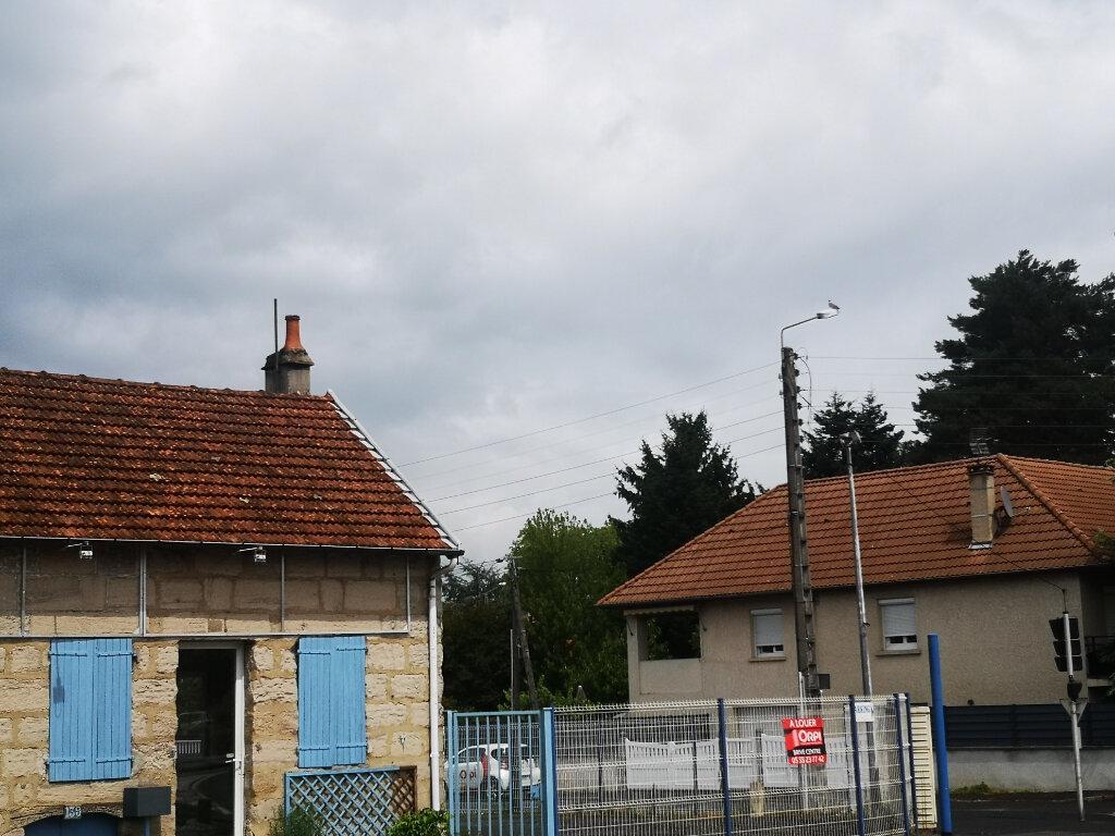 Terrain à louer 0 645m2 à Brive-la-Gaillarde vignette-1