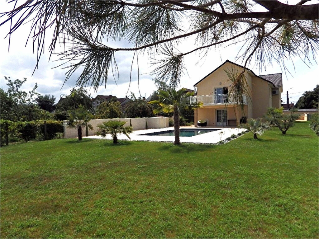 Maison à vendre 6 170m2 à Brive-la-Gaillarde vignette-1