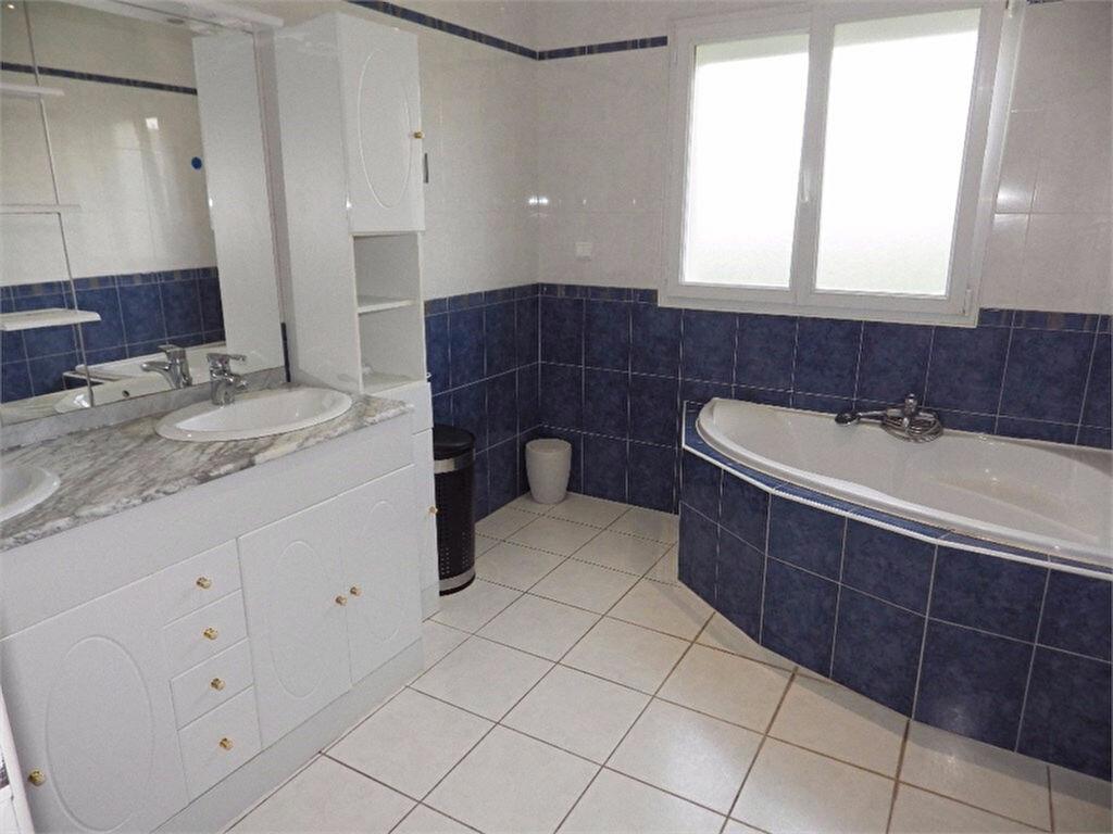 Maison à vendre 6 170m2 à Brive-la-Gaillarde vignette-9