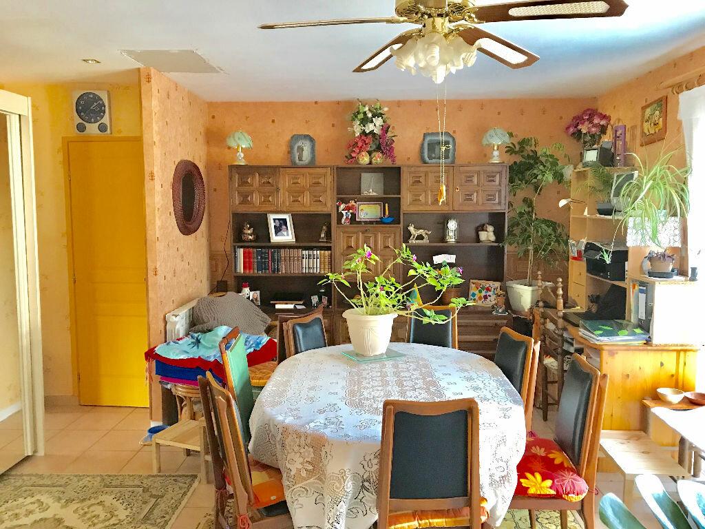 Maison à vendre 3 65m2 à Chartrier-Ferrière vignette-6