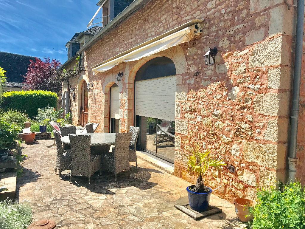 Maison à vendre 7 232m2 à Chartrier-Ferrière vignette-2