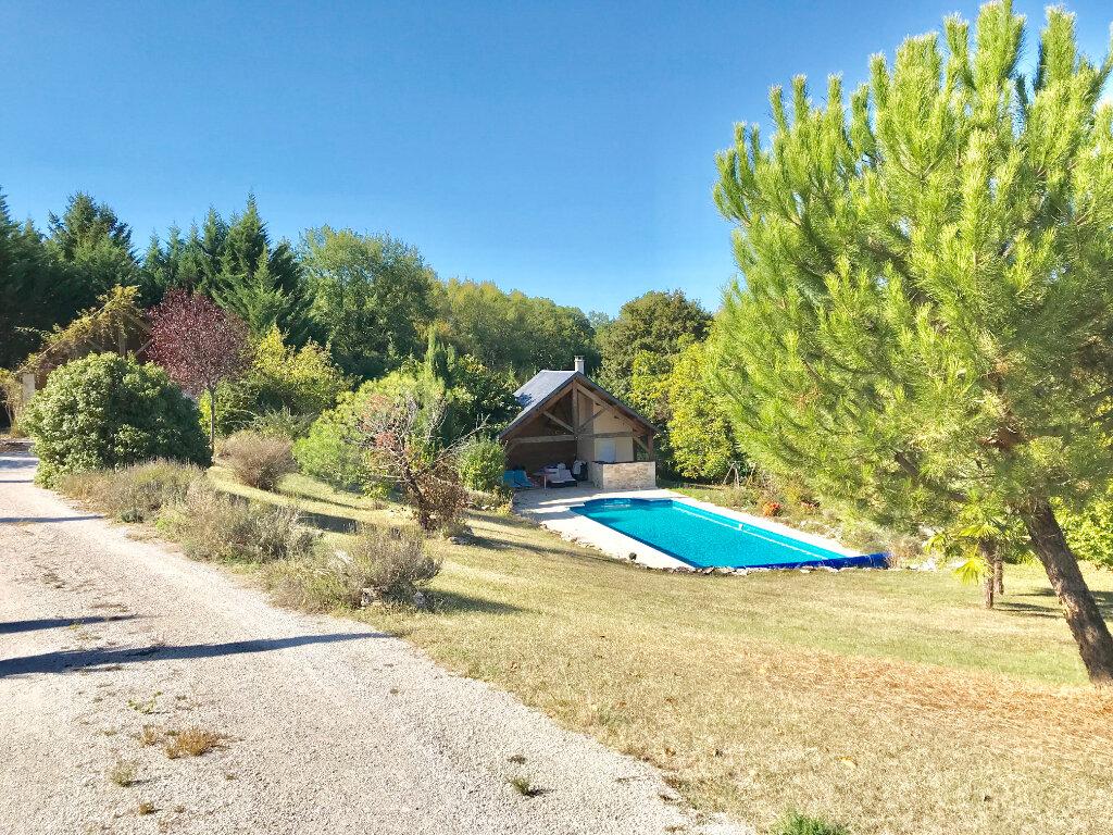 Maison à vendre 7 232m2 à Chartrier-Ferrière vignette-3