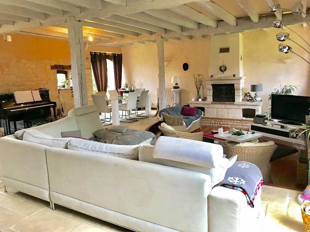 Maison à vendre 7 232m2 à Chartrier-Ferrière vignette-4