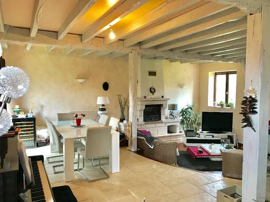 Maison à vendre 7 232m2 à Chartrier-Ferrière vignette-5