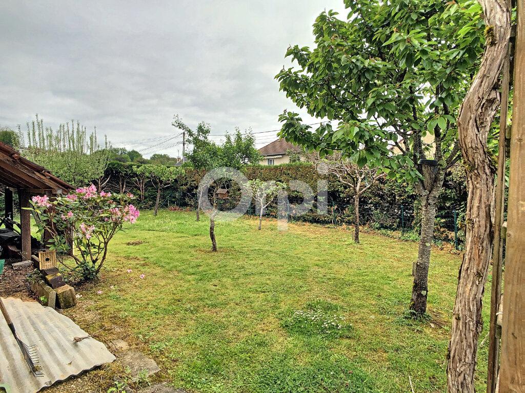 Maison à vendre 5 130m2 à Saint-Pantaléon-de-Larche vignette-2