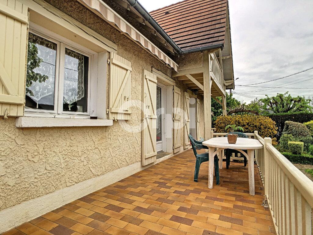 Maison à vendre 5 130m2 à Saint-Pantaléon-de-Larche vignette-4