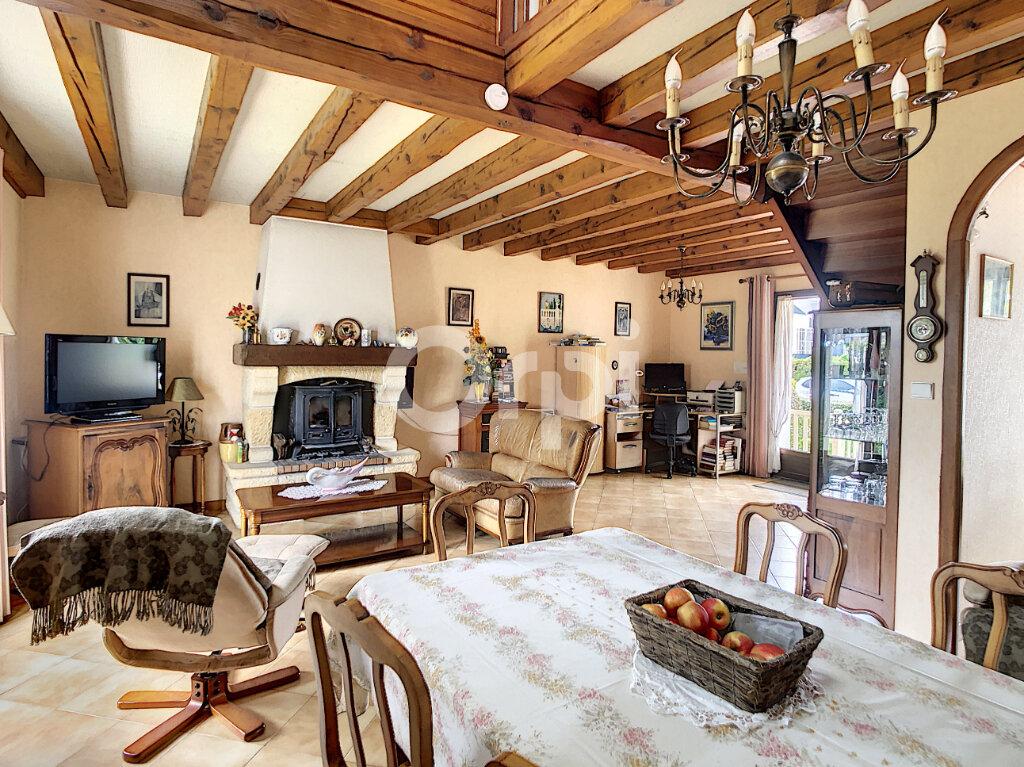 Maison à vendre 5 130m2 à Saint-Pantaléon-de-Larche vignette-6