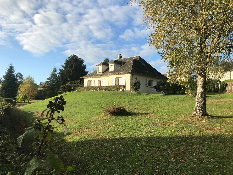 Maison à louer 6 170m2 à Sainte-Féréole vignette-1