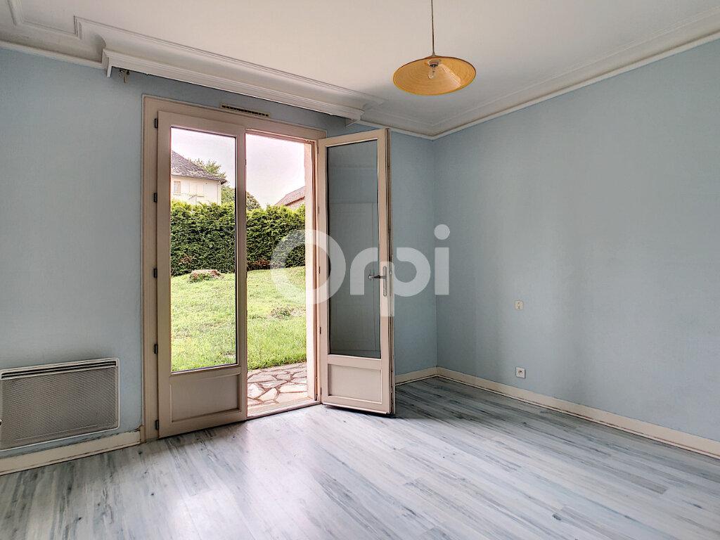 Maison à louer 6 170m2 à Sainte-Féréole vignette-6