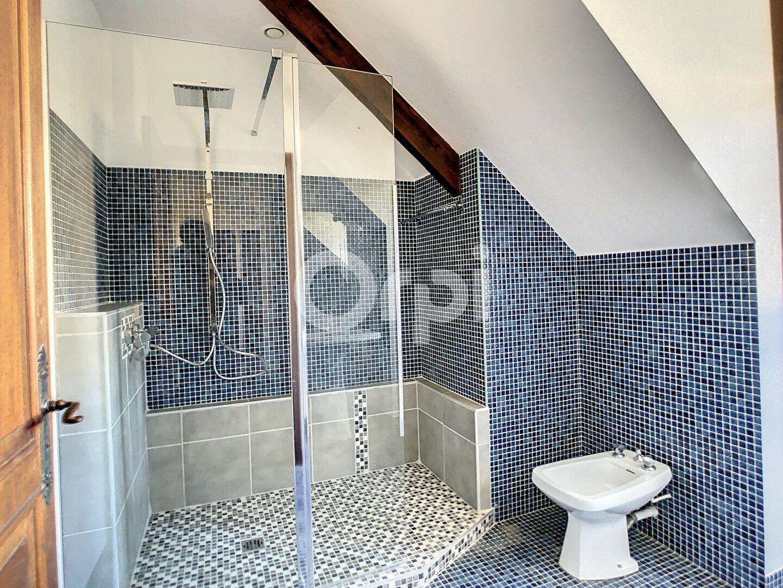 Maison à louer 6 170m2 à Sainte-Féréole vignette-10