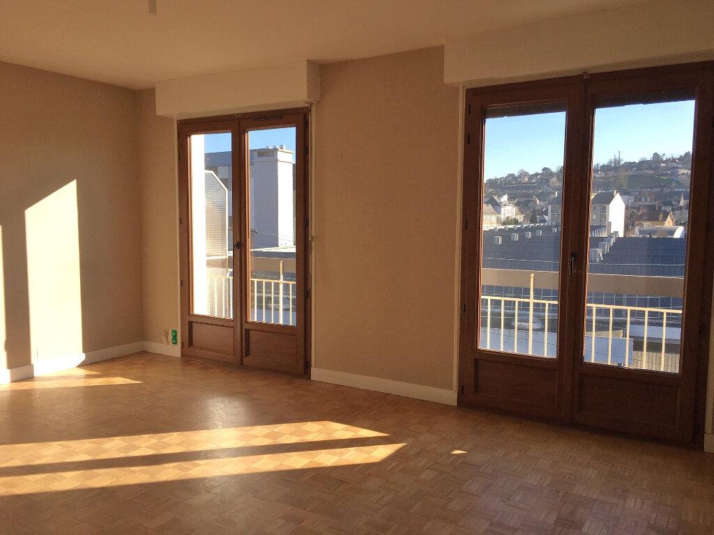 Appartement à louer 3 62.39m2 à Brive-la-Gaillarde vignette-3