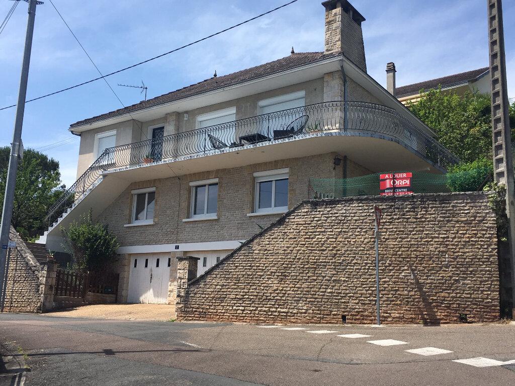 Appartement à louer 5 95m2 à Brive-la-Gaillarde vignette-1