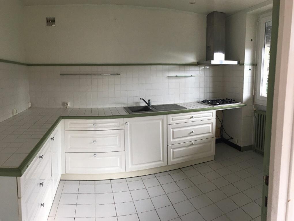 Appartement à louer 5 95m2 à Brive-la-Gaillarde vignette-3