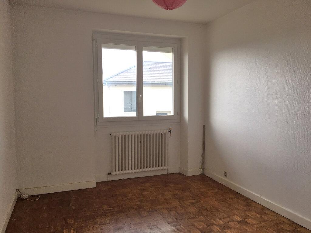 Appartement à louer 5 95m2 à Brive-la-Gaillarde vignette-8