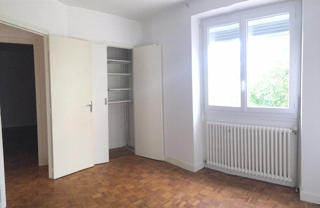 Appartement à louer 5 95m2 à Brive-la-Gaillarde vignette-9