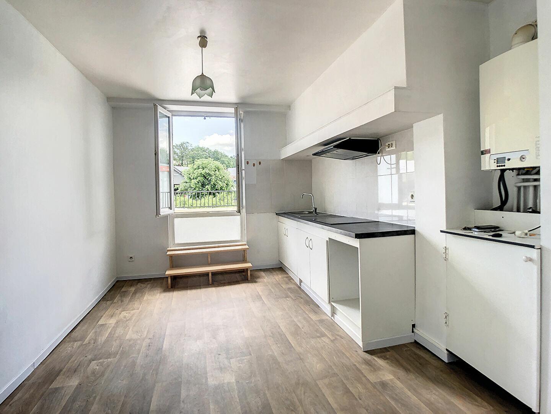 Appartement à louer 3 69m2 à Malemort-sur-Corrèze vignette-3