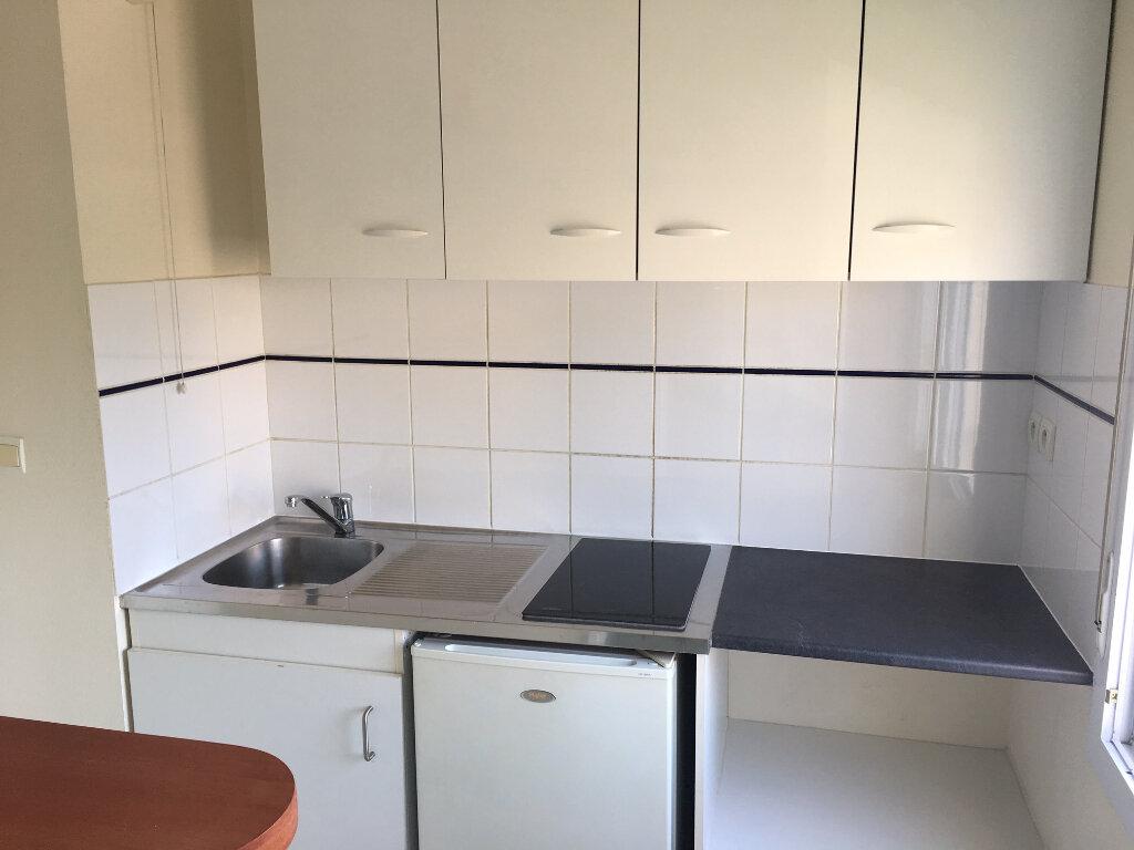 Appartement à louer 3 53m2 à Brive-la-Gaillarde vignette-2