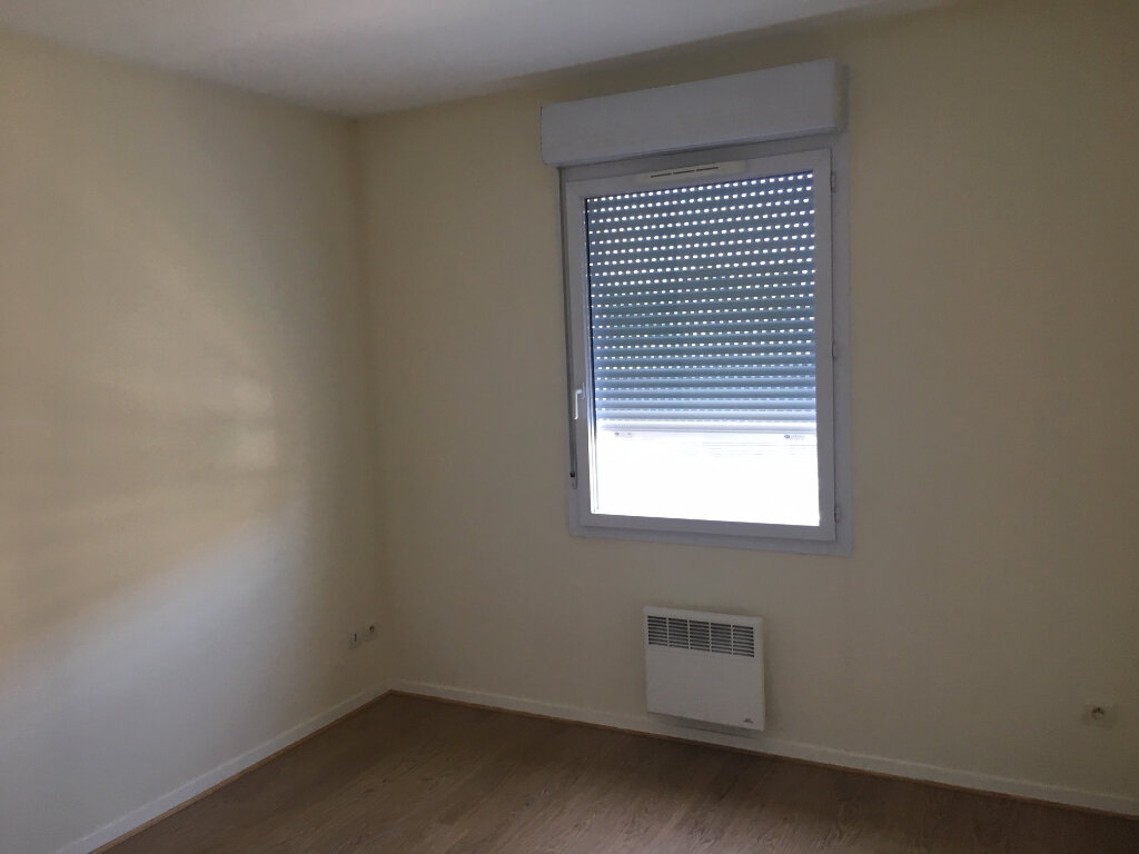 Appartement à louer 3 53m2 à Brive-la-Gaillarde vignette-12