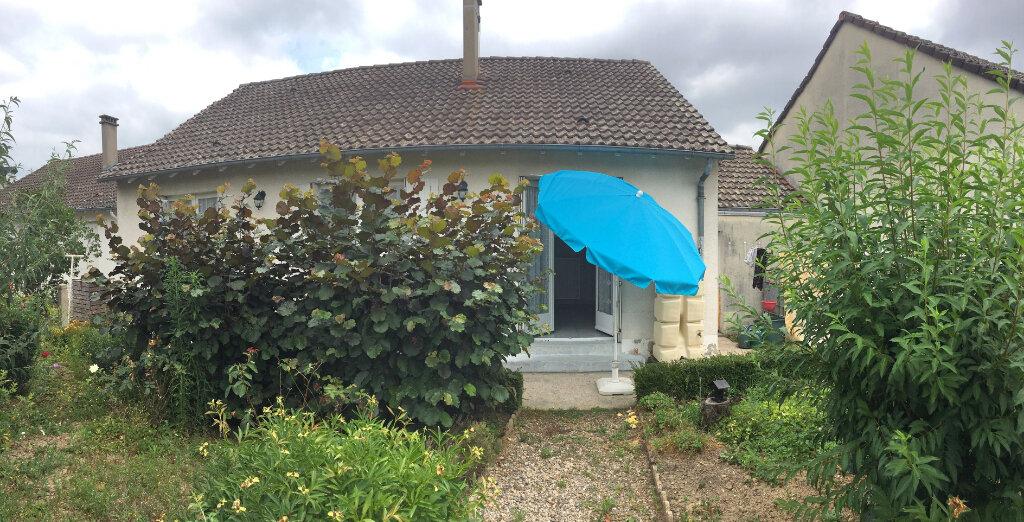 Maison à louer 3 72m2 à Brive-la-Gaillarde vignette-1
