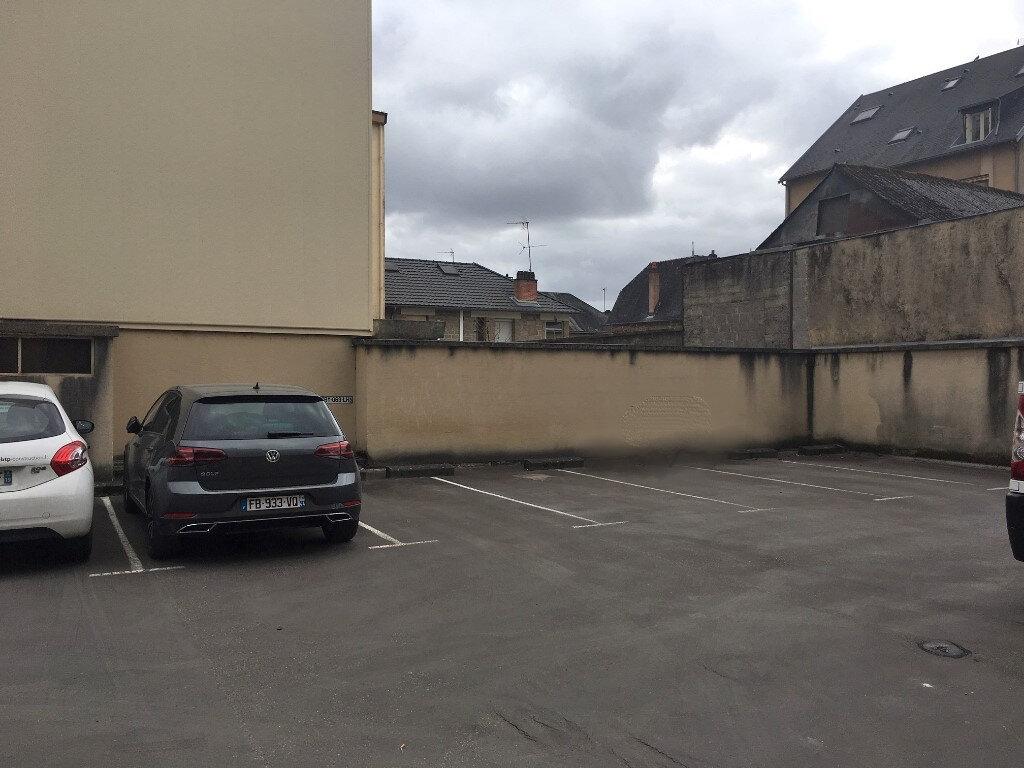Stationnement à louer 0 0m2 à Brive-la-Gaillarde vignette-1