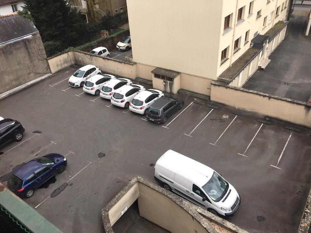 Stationnement à louer 0 0m2 à Brive-la-Gaillarde vignette-3