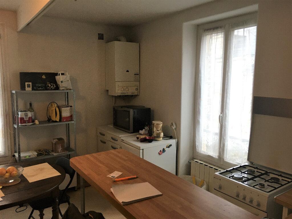 Appartement à louer 3 41m2 à Brive-la-Gaillarde vignette-2
