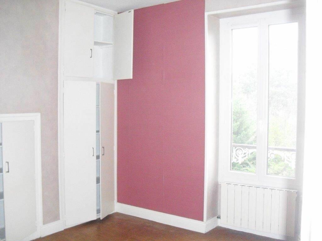 Appartement à louer 3 41m2 à Brive-la-Gaillarde vignette-5