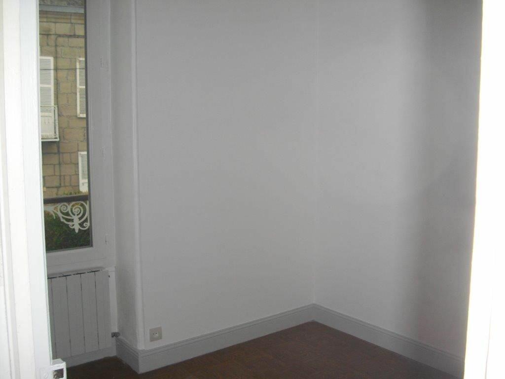 Appartement à louer 3 41m2 à Brive-la-Gaillarde vignette-6