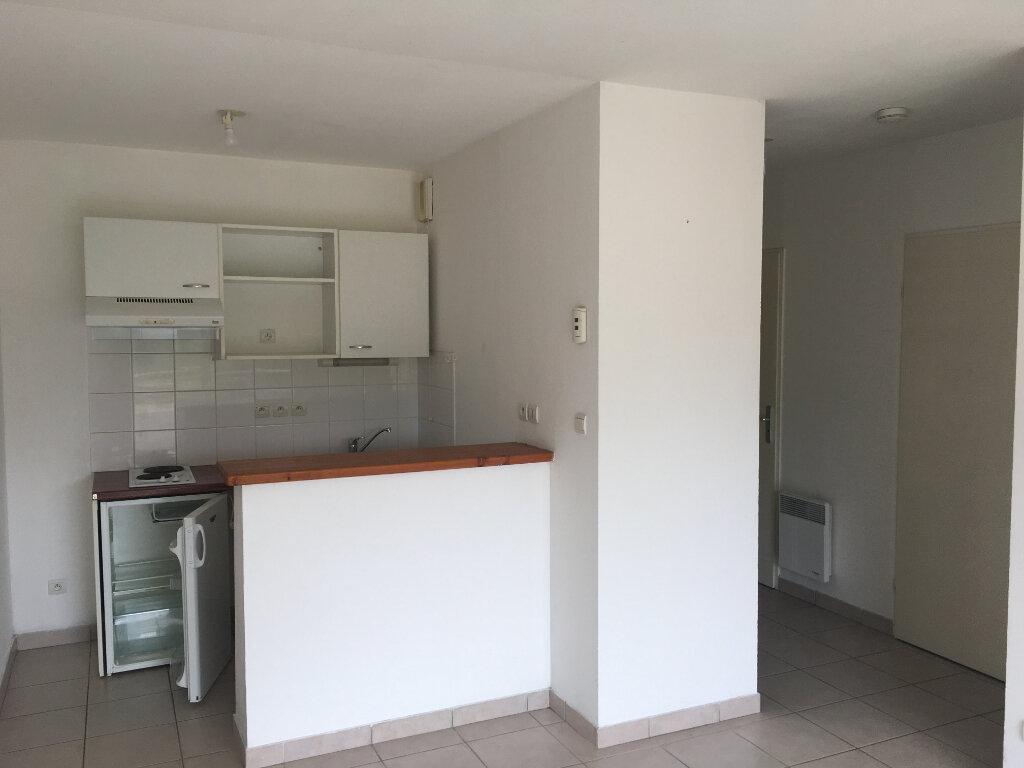 Appartement à louer 2 39m2 à Malemort-sur-Corrèze vignette-1