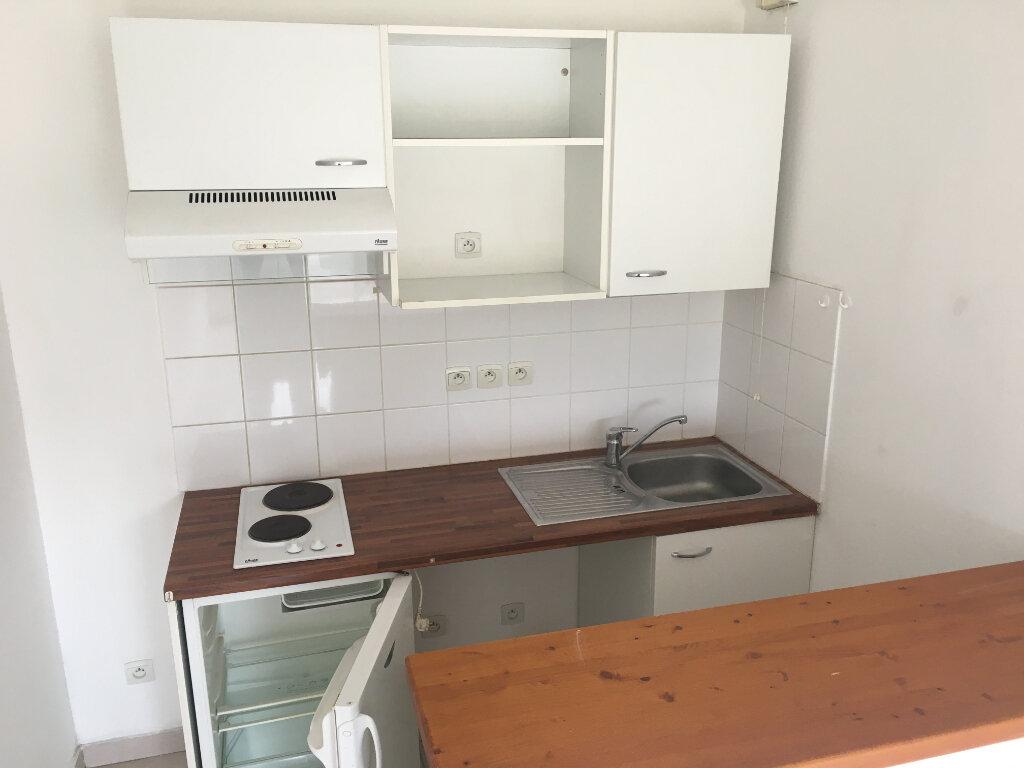 Appartement à louer 2 39m2 à Malemort-sur-Corrèze vignette-2