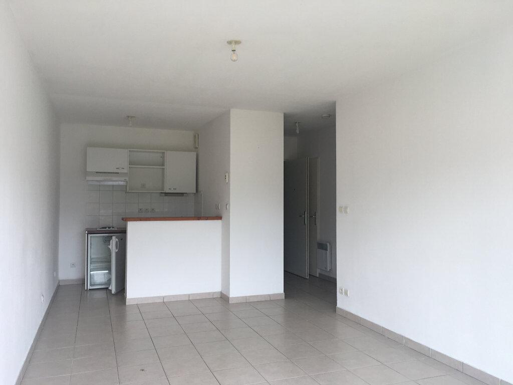 Appartement à louer 2 39m2 à Malemort-sur-Corrèze vignette-5