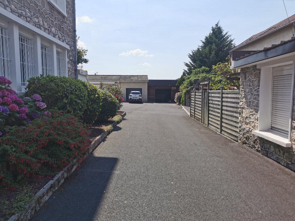 Appartement à vendre 5 101.52m2 à Brive-la-Gaillarde vignette-10