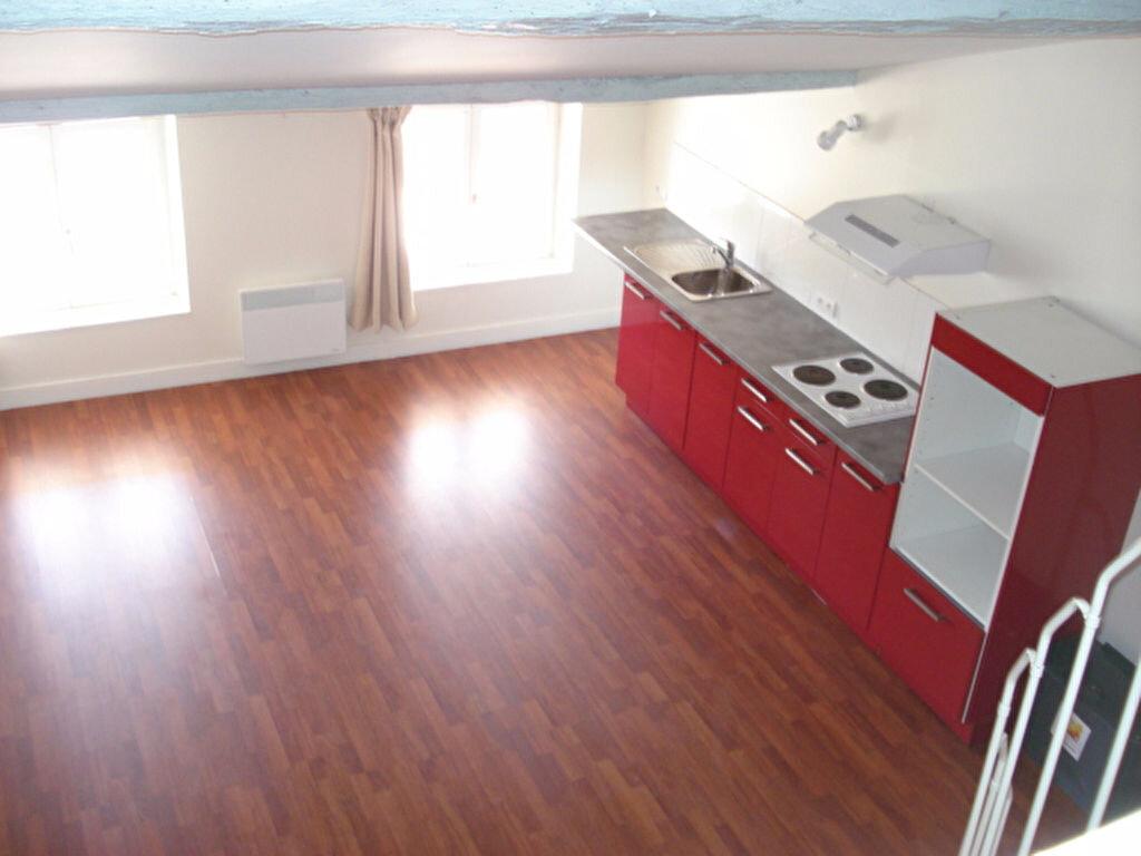 Appartement à louer 1 36m2 à Beaumont-de-Lomagne vignette-2