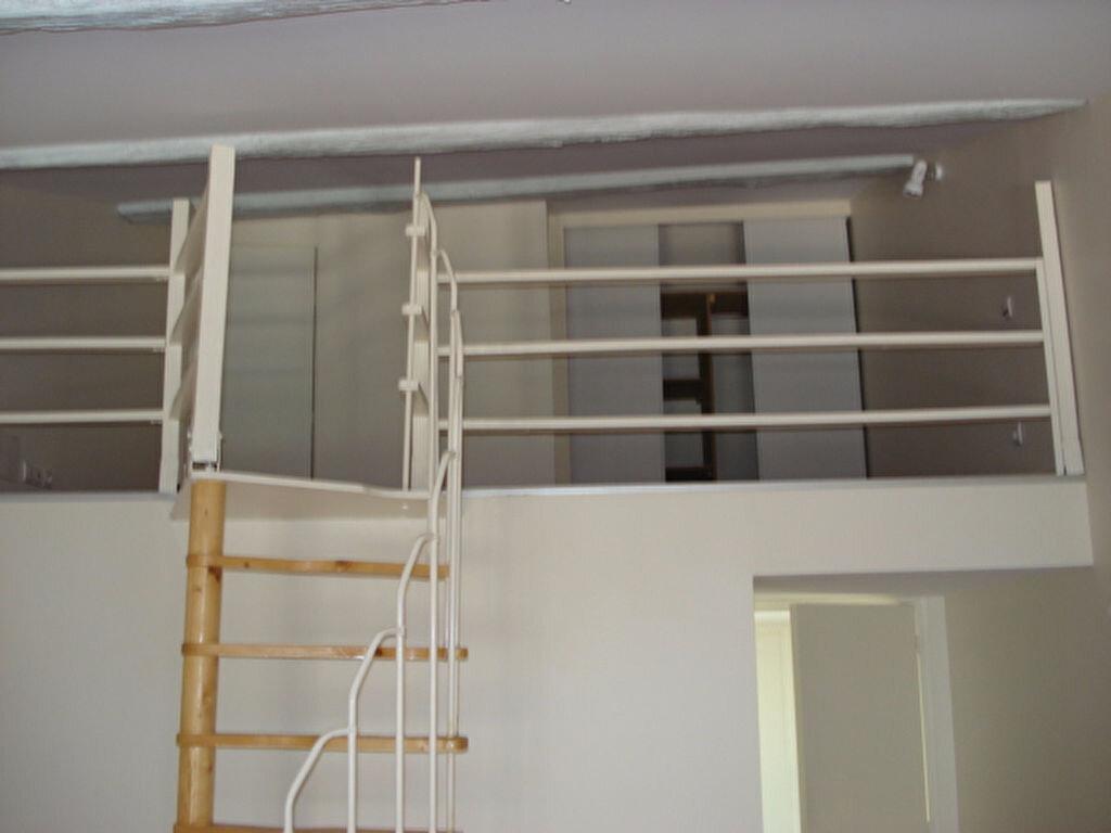 Appartement à louer 1 36m2 à Beaumont-de-Lomagne vignette-3
