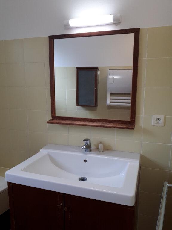 Appartement à louer 3 122m2 à Beaumont-de-Lomagne vignette-3