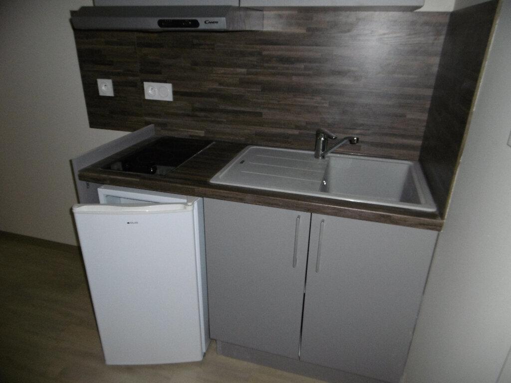 Appartement à louer 1 15m2 à Montauban vignette-3