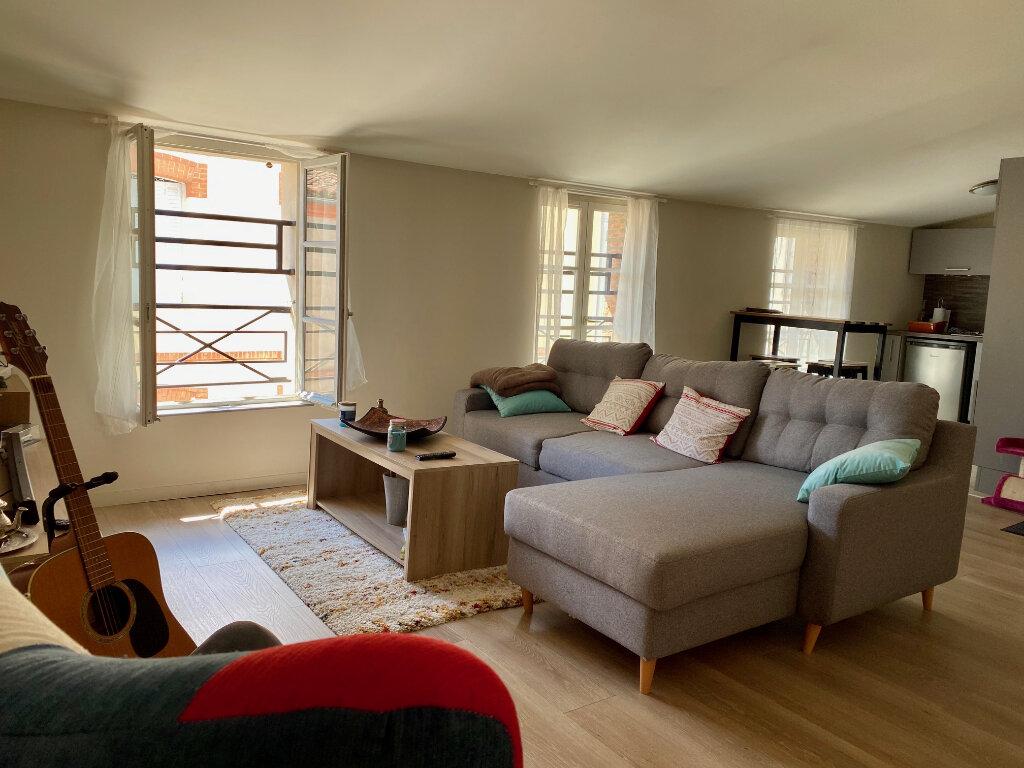 Appartement à louer 3 67.41m2 à Montauban vignette-1