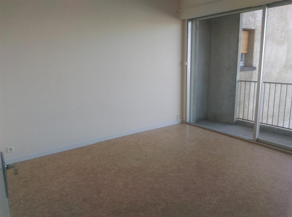 Appartement à louer 3 64.73m2 à Montauban vignette-6